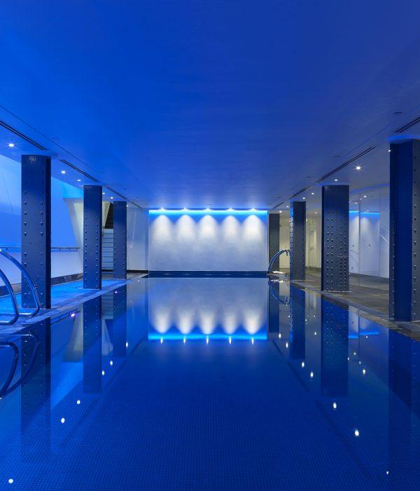 Hi_LW0416_37212248_pool_blue_wide