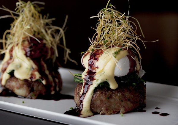 CUT-at-45-Park-Lane-Salt-Beef-Hash-Cakes-with-Sauce-Bearnaise