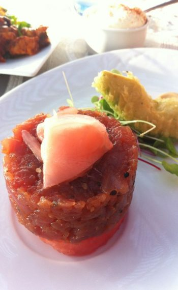 bahia-restaurant_turna-tartar-and-tempura-avocado