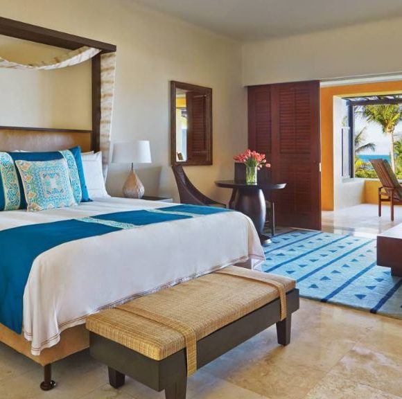 four-seasons-punta-mita-ocean-view-room