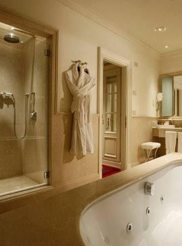 lungarno-bathroom