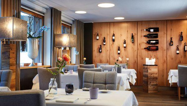 restaurant-rosengarten-light-001-restaurant