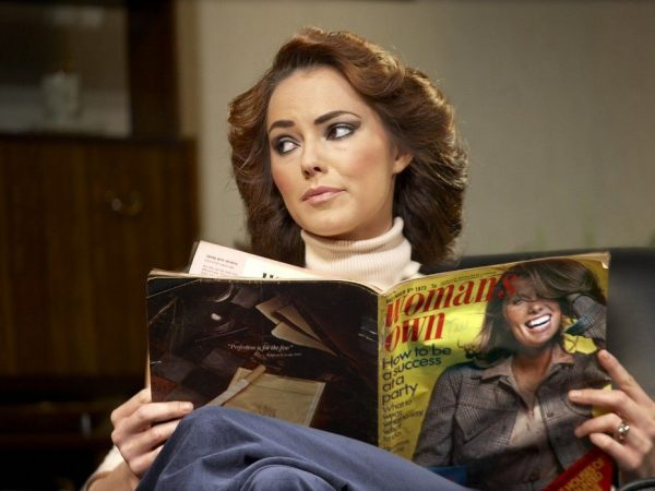 Kara-Tointon-Evelyn-in-Absent-Friends-at-the-Harold-Pinter-Theatre.-Photo-credit-Simon-Annand-1024x6971