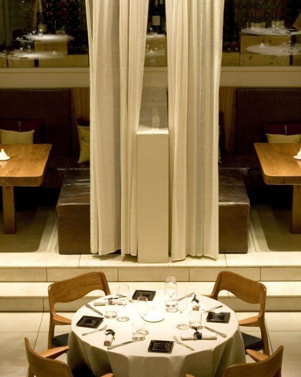 Le-Cercle-Lounge-Restaurant-3-682x10241