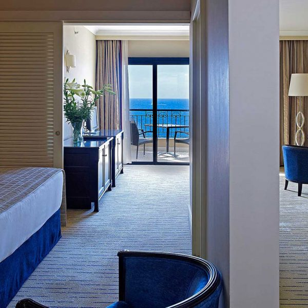 junior-suite-sea-view-queenweb