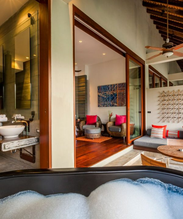 Pearl Bed Suite Bubble Bath Terrace