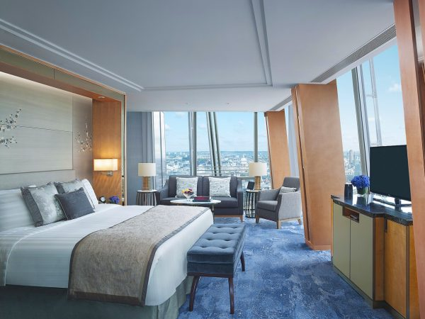 Iconic City View Room (day) - St Paul's view -