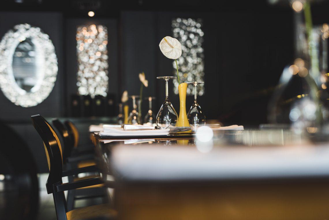 11 Mirrors Restaurant