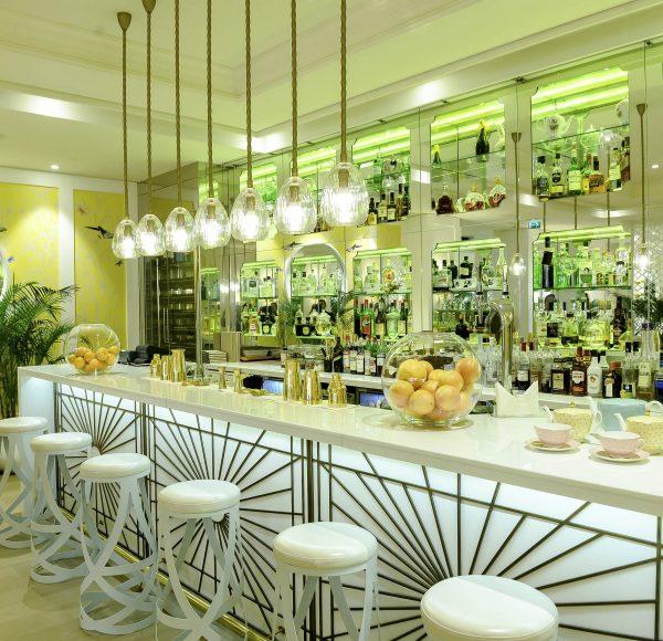 Rhodes W1 bar