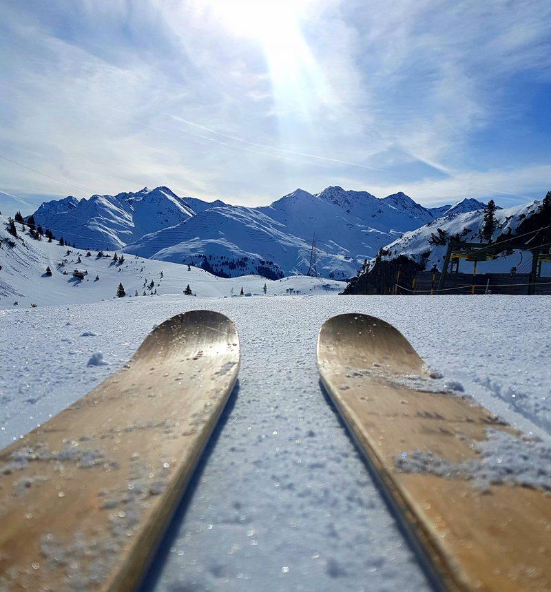 Skis Adam Attew 2
