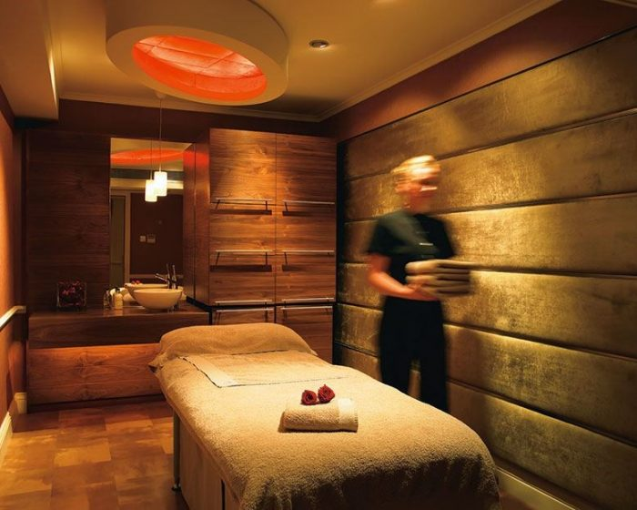 chewton-glen-spa-treatment-room
