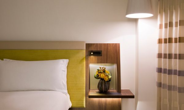 MetropolitanLondon Accommodation TurnDownService1