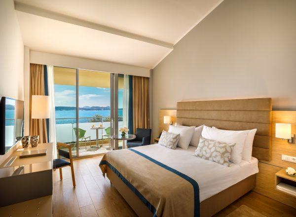 Valamar Argosy_room_seaview_balcony (2)