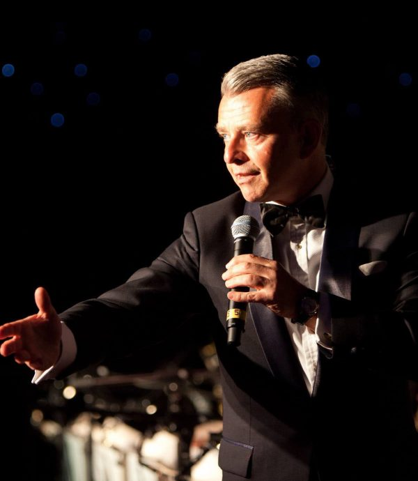Richard Shelton As Frank Sinatra