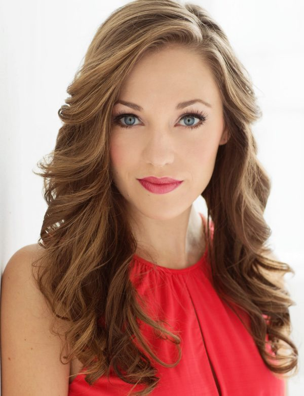 LauraOsnes Headshot