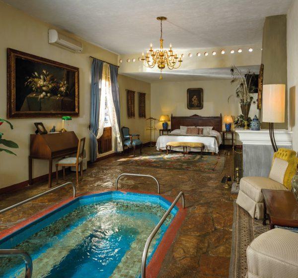 Hacienda El Carmen room