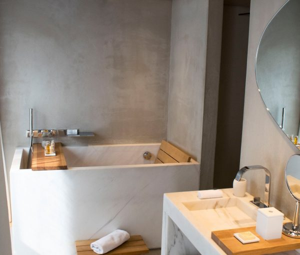 Hotel_de_NELL_luxury_bathroom_suite