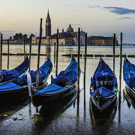 Venice_city_landscape_at_sunrise
