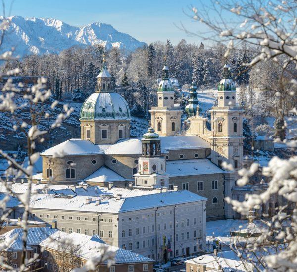 Blick vom Kapuzinerberg Salzburg cathedral in winter