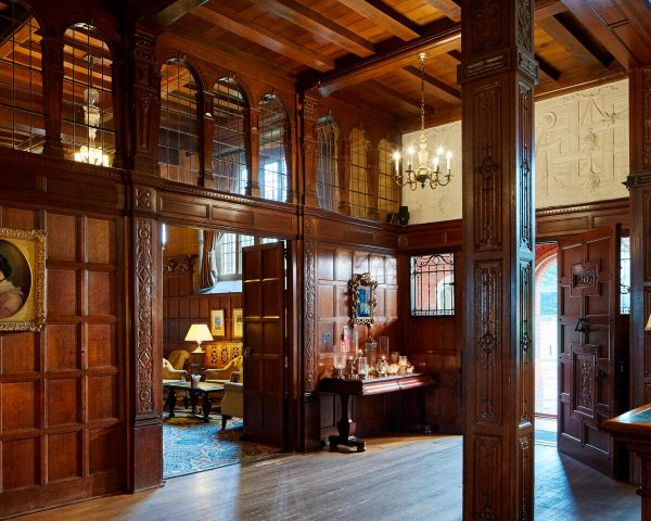 hanbury manor lobby