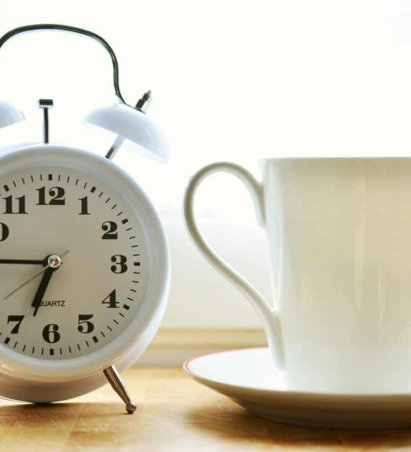 clock-alarm-clock-cup-ceramic-lighting-coffee-cup-1211229-pxhere.com