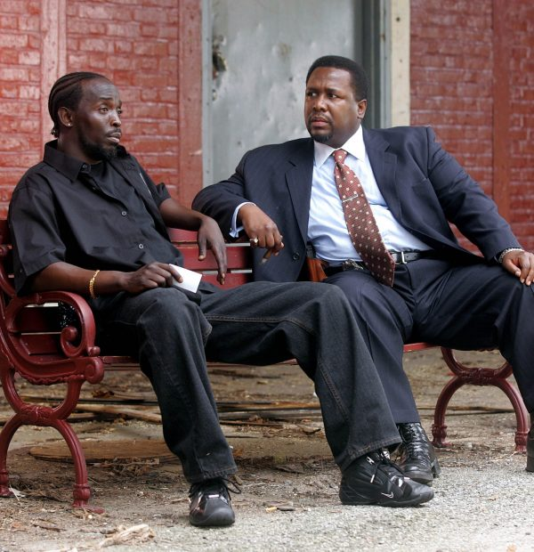 """The Wire - Series 03 Episode 06 """"Homecoming"""" Pierce, Wendell as Homicide Detective William """"Bunk"""" Moreland and Williams, Michael K. as Omar. ©Copyright 2000-2005 Home Box Office Inc"""