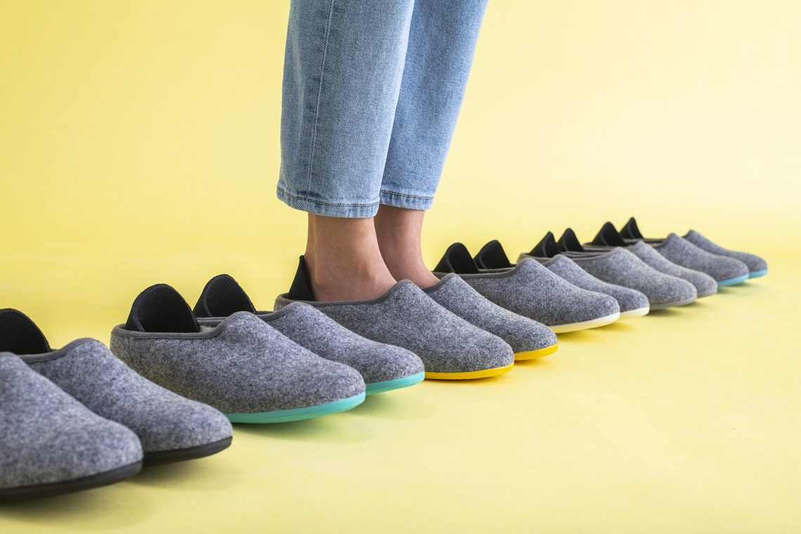 Mahabis Curve Shearling Slippers